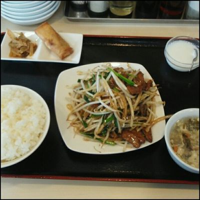 香香 刀削麺