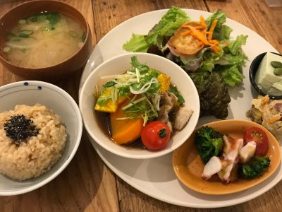 玄米カフェ 実身美  sangmi 心斎橋店