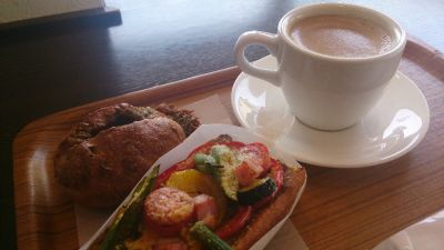 Bread Cafe HUCKLEBERRY (ブレッドカフェ ハックルベリー)