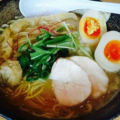 濃厚鶏ソバ 麺 ザ クロ (濃厚鶏SOBA 麺 THE KURO)