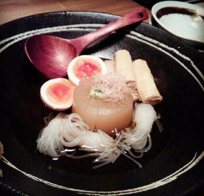 山茶 (つばき)