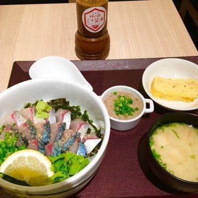 海鮮丼 日の出 博多デイトス店