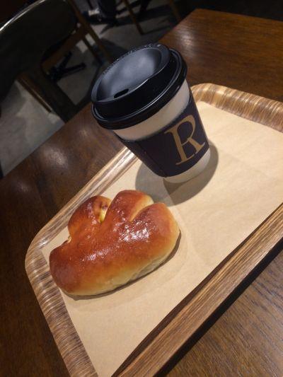 R Baker 北千住店 (アールベイカー)