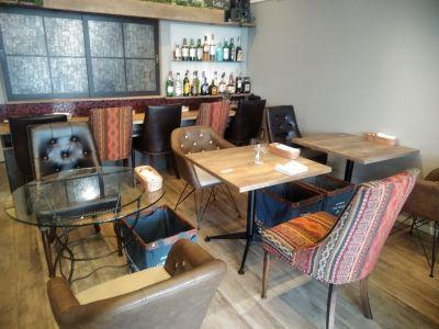 Select Shop & Cafe Bar TKO