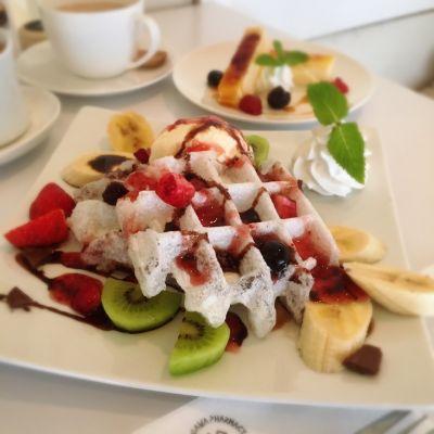 Cafe White