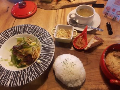 cafe bar THE EARTHの口コミ
