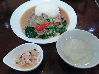 タイ料理 ジャンピー
