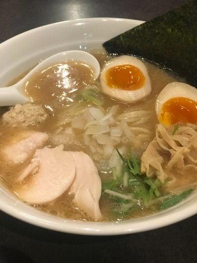 濃厚鶏白湯拉麺 桜の華 横浜元町店