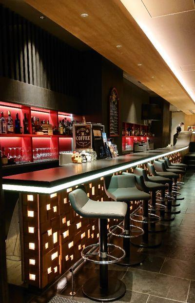 Cafe & Bar 15