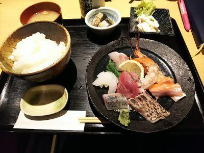 魚肴食堂 魚ふじ