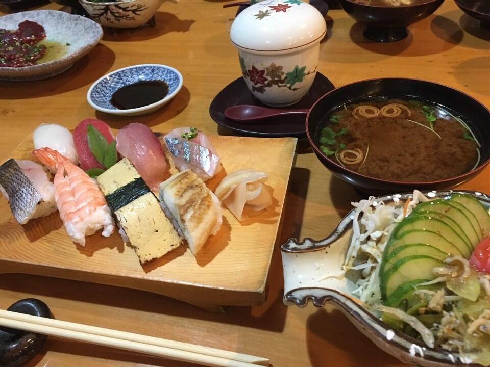 愛媛・松山にある御寿司処 幸楽|瀬戸内宇和島からの新鮮な魚介|地酒も取り揃えております!の口コミ