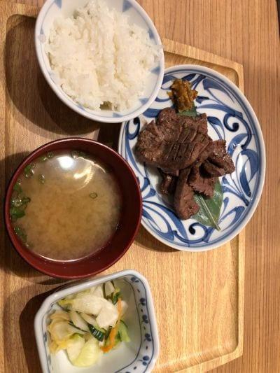 炙り牛タン 万 イオン新潟南店