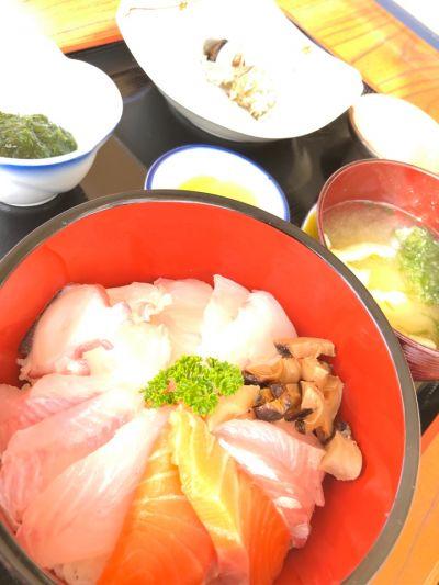海の幸 お食事処 雄和丸の店