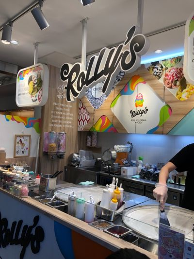 ROLLY'S ROLL ICE CREAM KYOTO 京都タワーサンド店