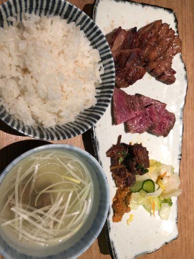 炭焼牛たん東山 博多大丸店