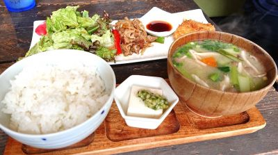 uchinomi-dining SO(ウチノミダイニングソウ)
