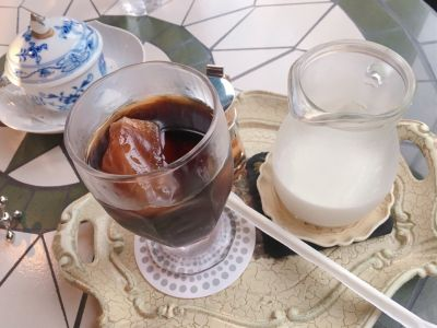 カフェ・アダチ