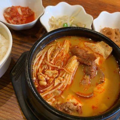 七厘炭火焼肉と韓国料理 牛まい豚まい