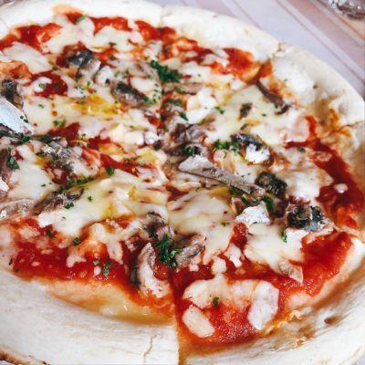 イタリア家庭料理アズーロ (AZZURRO)