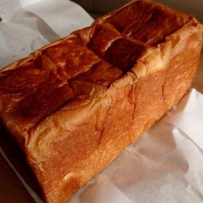 高級食パン専門店 題名のないパン屋