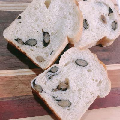 パンや Backhaus Blau