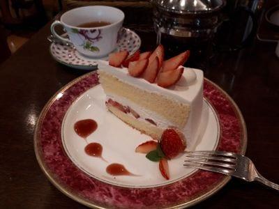 カフェ ラ ミル サンローゼ赤坂店 (CAFE LA MILLE)