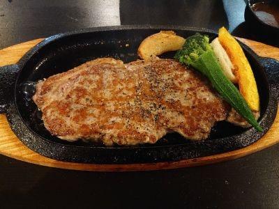 肉が一番 三番館高砂店