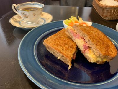 Sandwich & Coffee Eins