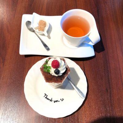 ハーミッツ カフェ (Hermit's Cafe)