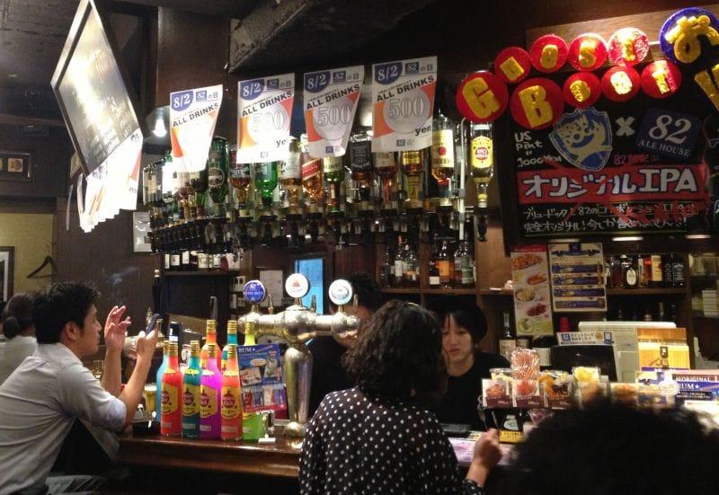 82 ALE HOUSE 新宿西口大ガード店