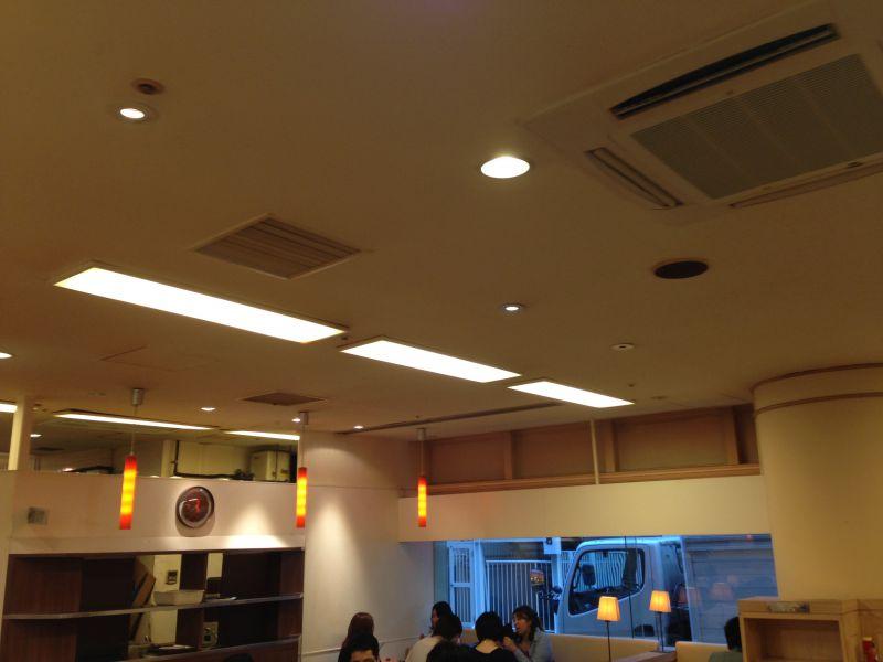 カフェ・ド・クリエ サンシャイン通り店