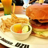 burger house UZU   (ウズ)