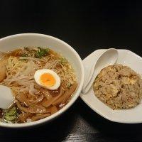 ラーメン小次郎 新宿店